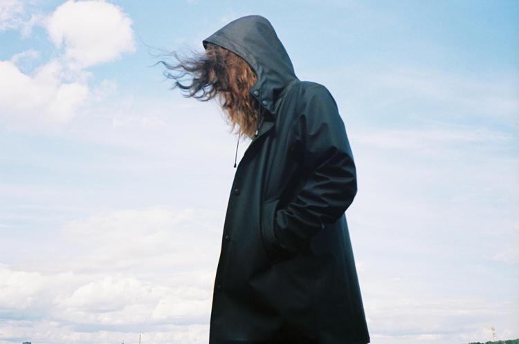 Человек дождя: как шведский бренд плащей превратил меланхолию в маркетинговый ход