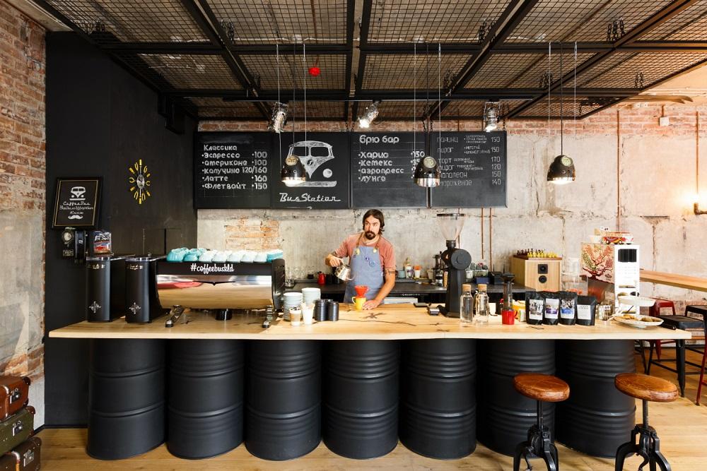 """Как использовать любовь к хиппи-автобусам в бизнесе: история кофейни """"Bus Station"""""""