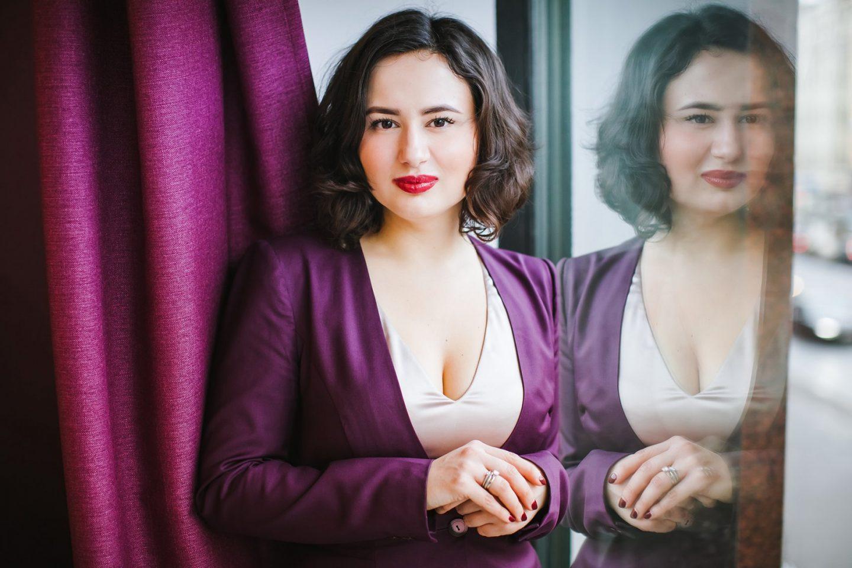 Как заработать на бра-фиттинге: история бизнеса по бельевому стайлингу Алины Гизатуллиной