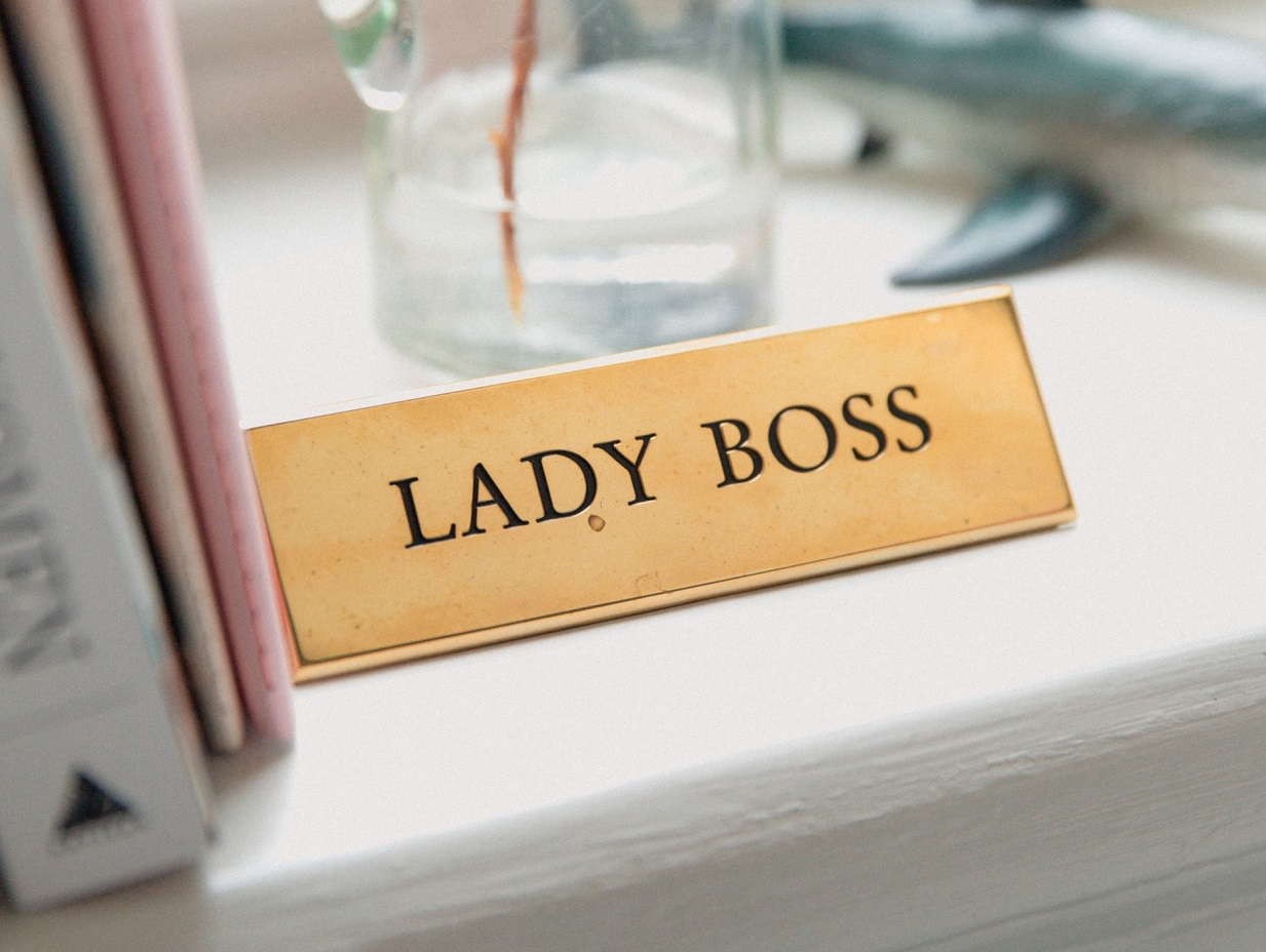 12 привычек, которые мешают женщинам карьерно расти, и как с ними бороться